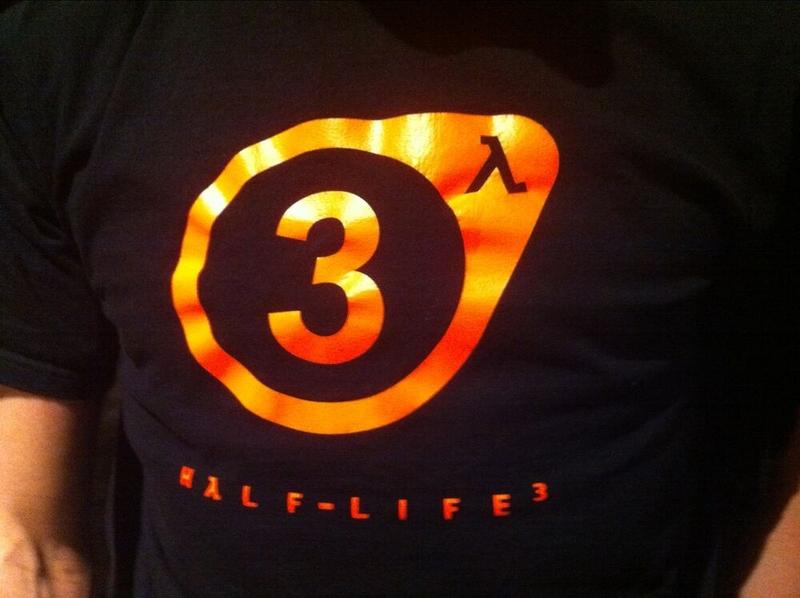 Фото якобы официальной футболки Half-Life 3, датированное 2011 годом