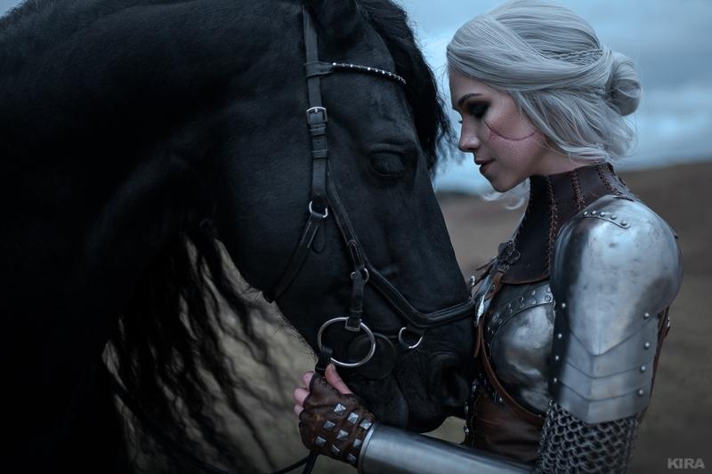 Косплей на Цири из The Witcher 3: Wild Hunt. Косплеер: Ольга Хаку. Фотограф: Кира Митенкова. Источник: https://vk.com/frau_haku