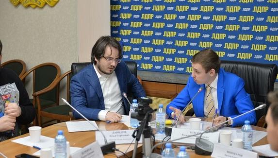 Илья Мэддисон занял должность помощника депутата Госдумы