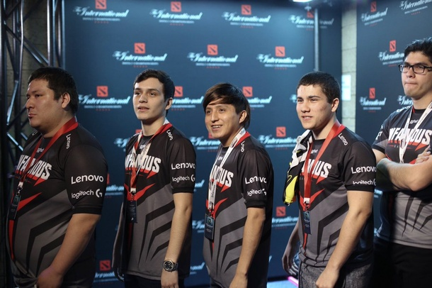 Infamous на The International 2017. Слева направо: Kingteka, Matthew, Accel, Timado, Benjaz