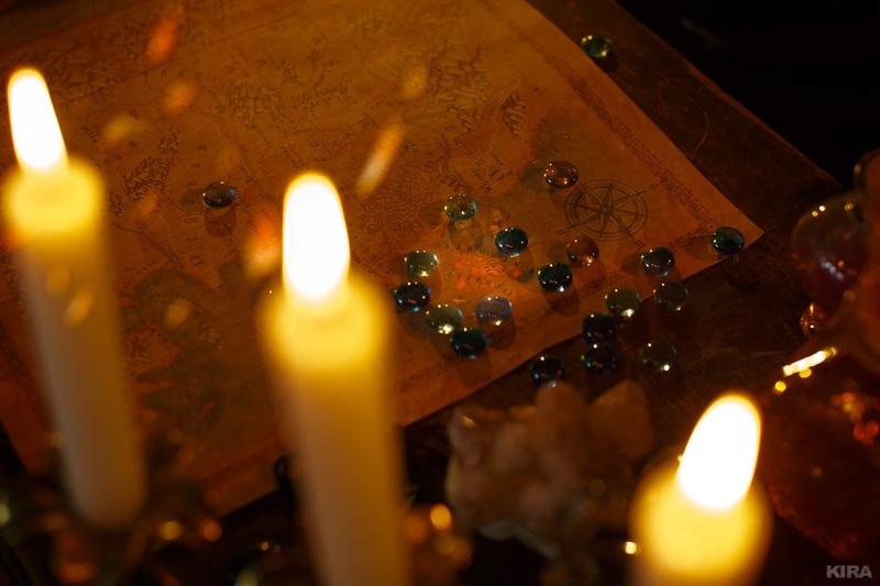 Косплей на Йеннифэр из Венгерберга. Фэндом: The Witcher. Фотограф: Кристина Бородкина. Косплеер: Алёна Михайлова. Источник: vk.com/kristina_borodkina_photo