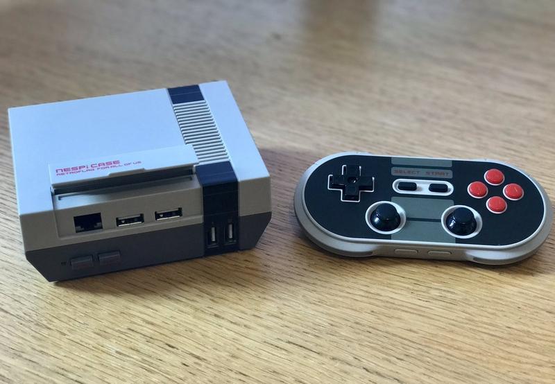 Корпус в стиле NES
