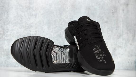K-Swiss представила «первые в мире» кроссовки для киберспортсменов
