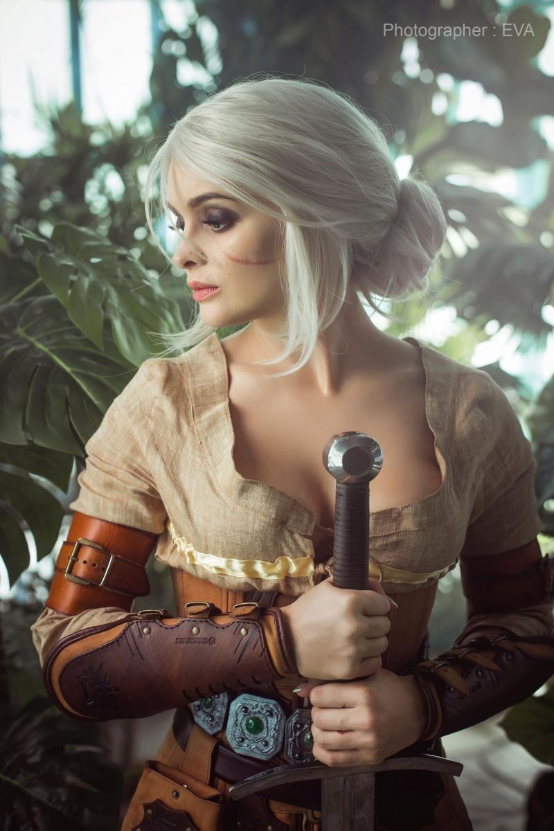Косплей на Цири из The Witcher 3: Wild Hunt. Косплеер: София Летяго. Фотограф: Ева Давыдова. Источник: https://vk.com/sansreve