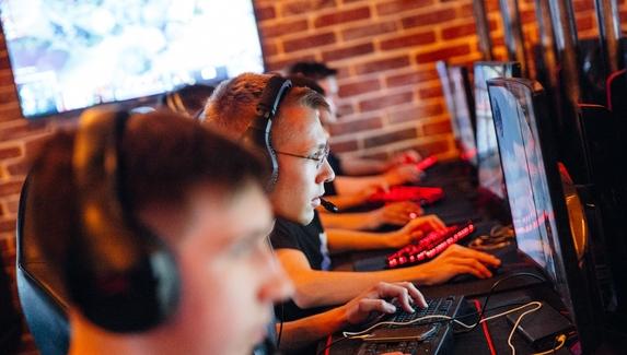 На чемпионате России по киберспорту можно будет выиграть PS4 и получить автографы NS и Dread