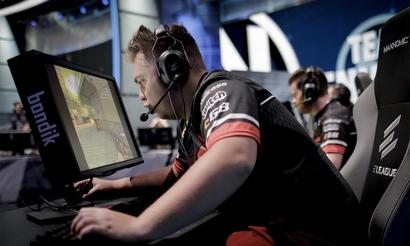 Bondik о Gambit Esports: «Я хочу сказать название позиции на английском, а затем вспоминаю, что здесь говорят по-русски»