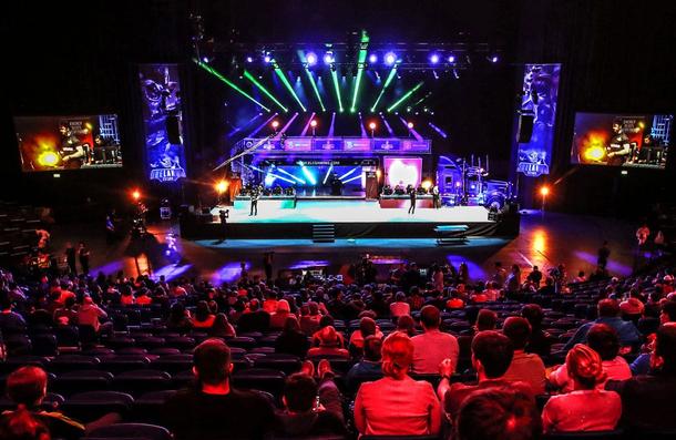 Грузовик Allied Esports на сцене. Фото: Allied Esports