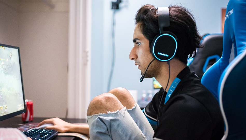 """Yawar at TI8: """"I'm confident I would win [vs. SumaiL], actually."""""""