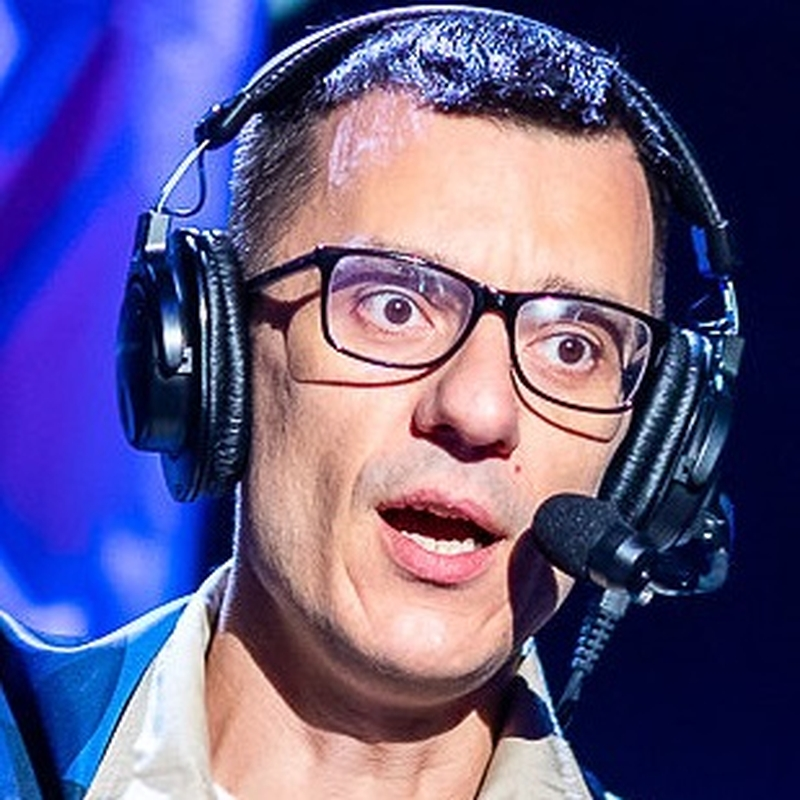 Алексей yXo Малецкий, комментатор турнира