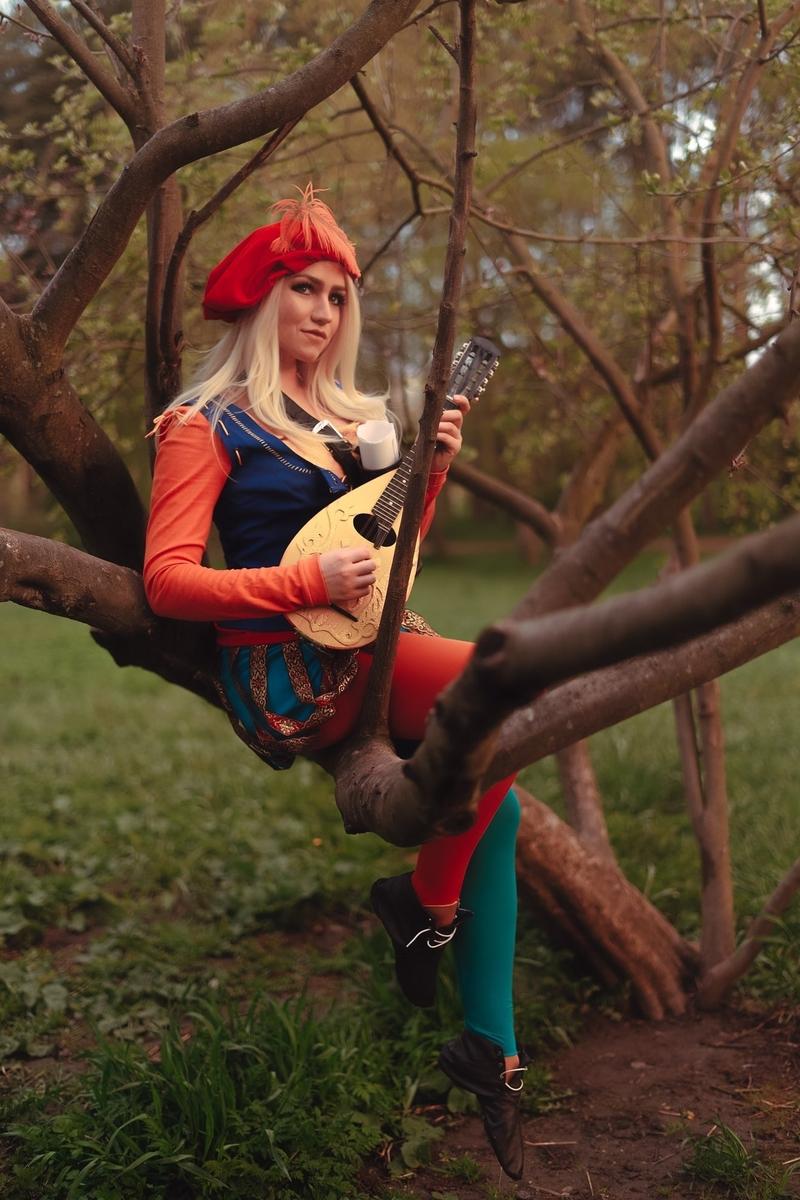 Косплей на Присциллу из The Witcher 3. Косплеер: Freya Veles. Фотограф: Фёкла Баклажанова. Источник: vk.com/freyavelescosplay