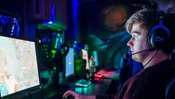 ПК в аренду и онлайн-турниры — как компьютерные клубы пережили карантин