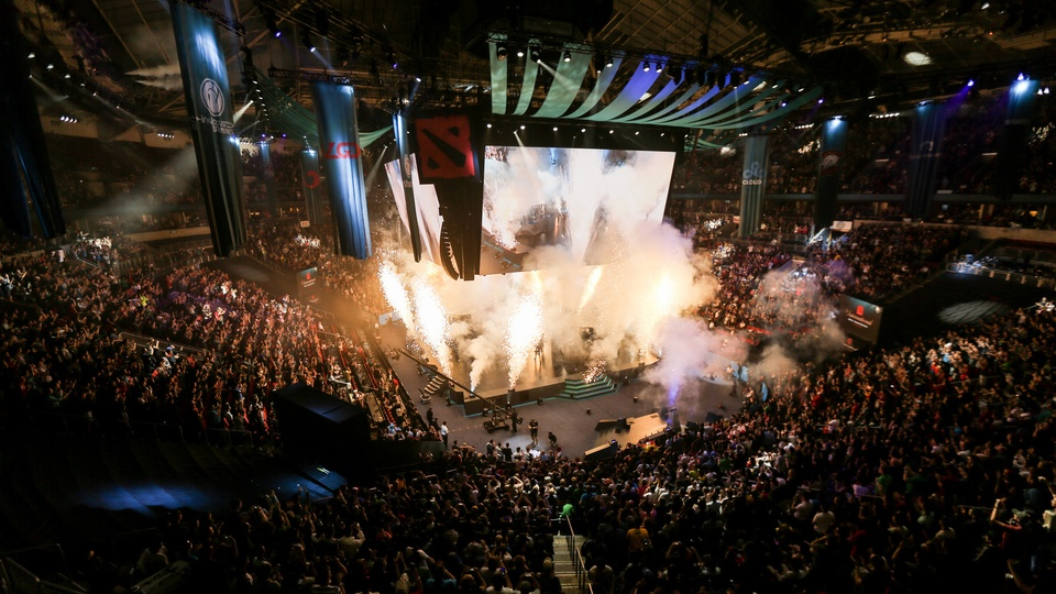 The top 5 players and teams of Dota 2 in 2017