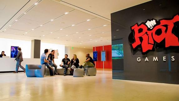 Riot Games попросила заменить коллективный иск о сексизме на индивидуальные разбирательства