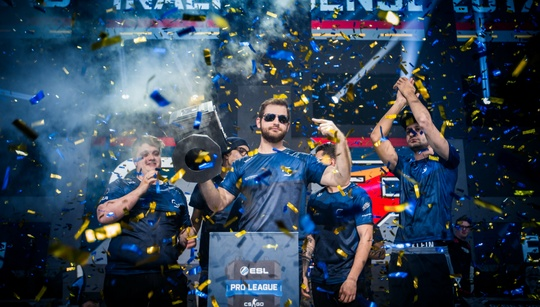 """What should the CSGO teams wish for in 2018? — """"Dear Santa"""", pt. 1"""