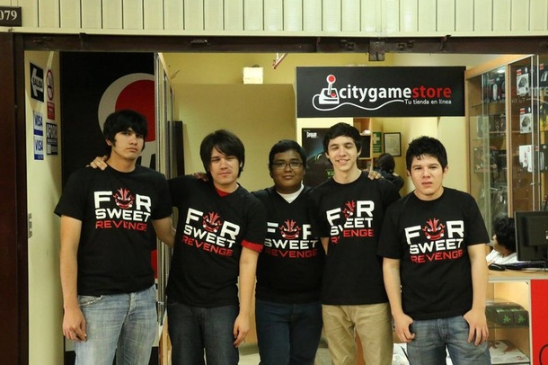 For Sweet Revenge, 2014 год. Слева направо: Benjaz, mstco, SmAsH, Masoku, MiHawk
