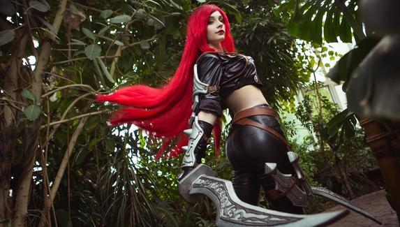 «Начнем кровопролитие» — косплей на Katarina изLeague of Legends
