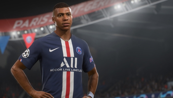 FIFA 21 снова возглавила британский чарт, несмотря на падение продаж на 65%