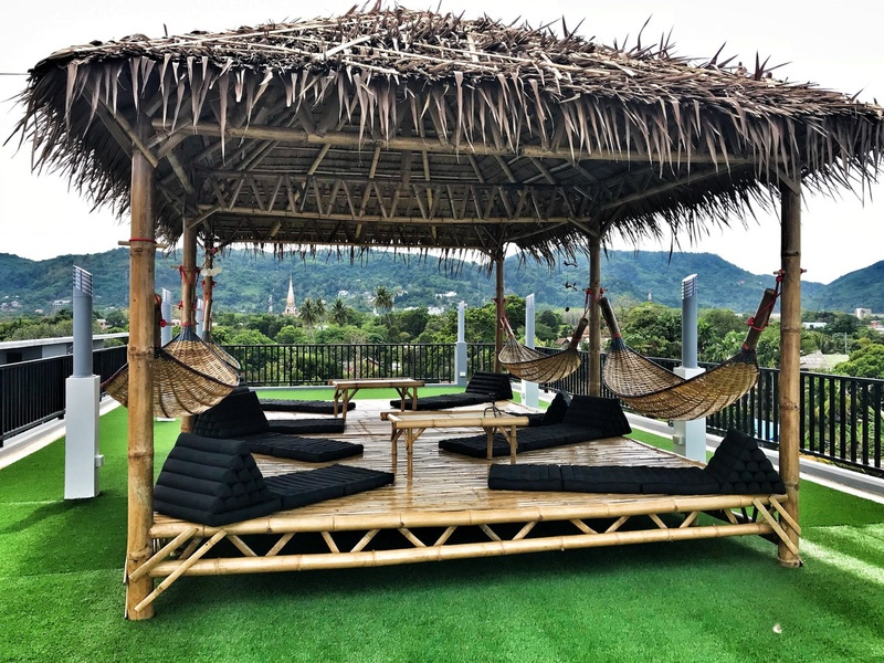 Outdoors Lounge zone