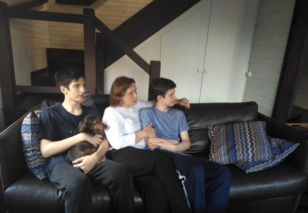 Брат Жора, мама Елена и Марк