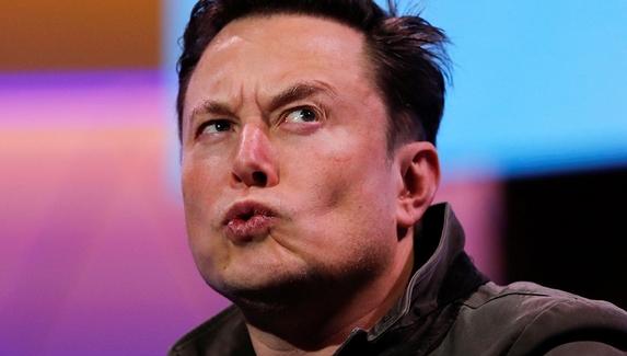 Илон Маск задумался над созданием Minecraft для Tesla