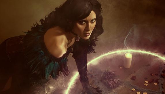 Магический ритуал — косплей на Йеннифэр из The Witcher