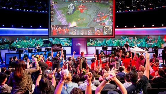 СМИ: Riot Games начнет контролировать студенческие соревнования по League of Legends