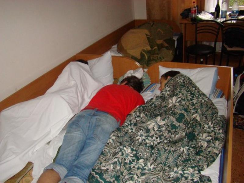 Многие умудрялись протащить в отель друзей на бесплатный ночлег