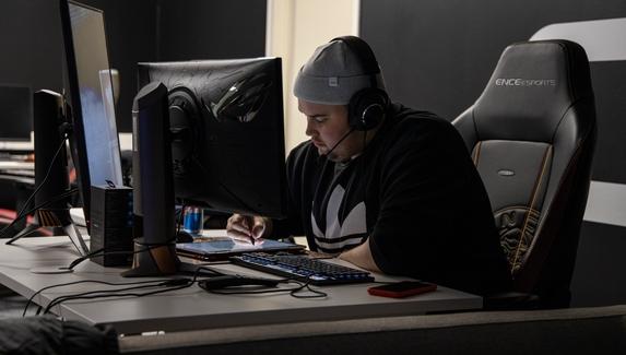 ENCE снялась с турнира ради участия в открытой квалификации на Flashpoint Season3