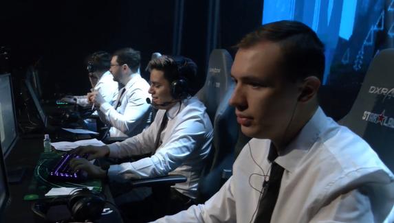 Деловая хватка — команда business associates выступит на майноре в белых рубашках и галстуках