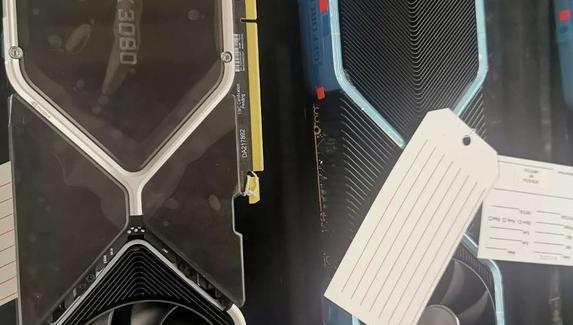 В сети появились первые фотографии видеокарты NVIDIA GeForce RTX 3080