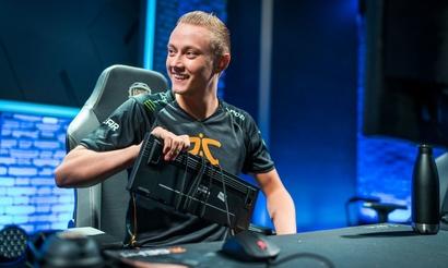 Fnatic встретится с EDG в четвертьфинале Worlds. RNG и KT могут сыграть в полуфинале