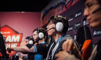 J.Storm и gg and gg сыграют за выход в финал первого этапа World Showdown of Esports #6