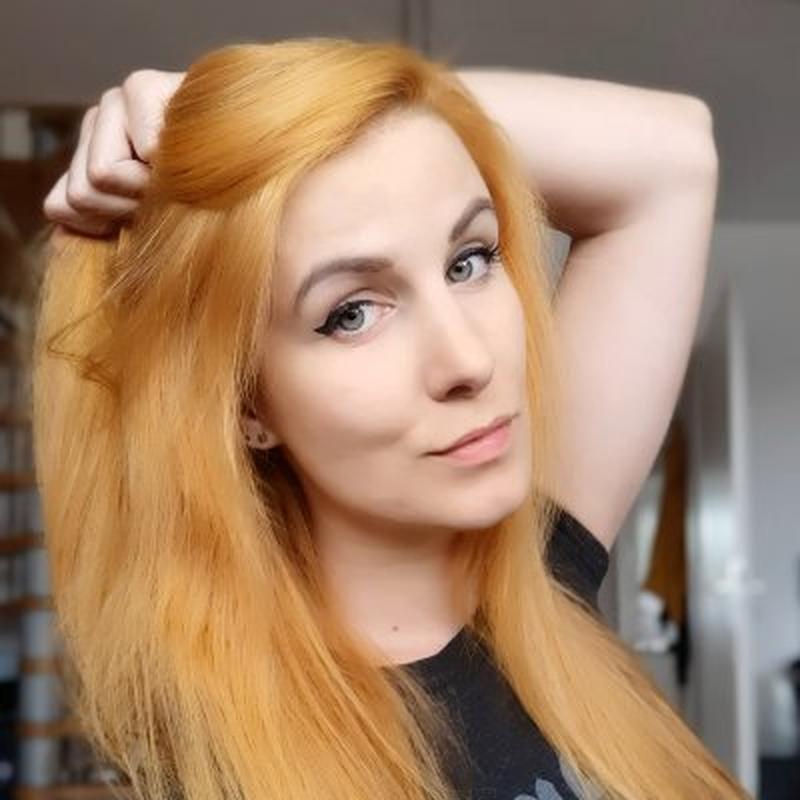 Hasil gambar untuk Каролина Aonir Ганиш