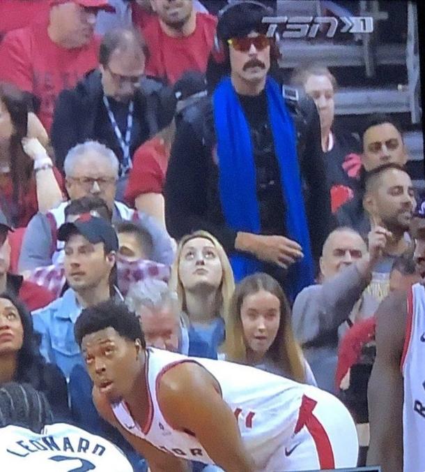 DrDisRespect на матче финала NBA 2019