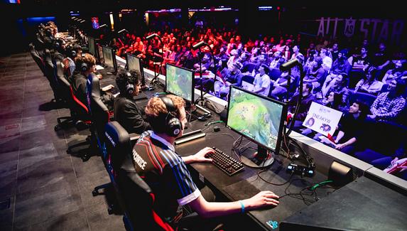 СМИ: Alienware расторгла сделку с Riot Games после обвинений генерального директора Riot в сексуальных домогательствах