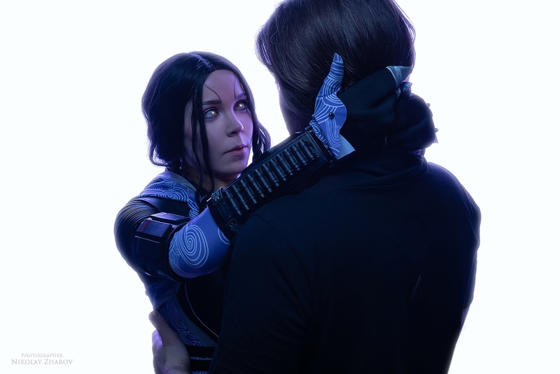 Тали'Зора из Mass Effect — косплей на соратницу Шепарда. Косплеер: Таша Аркус. Фотограф: Николай Жаров. Источник: vk.com/nikolay_photogroup