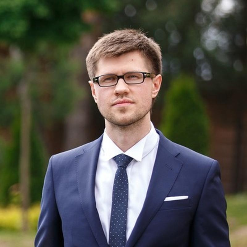 Спортивный директор Gambit Esports Константин Groove Пикинер