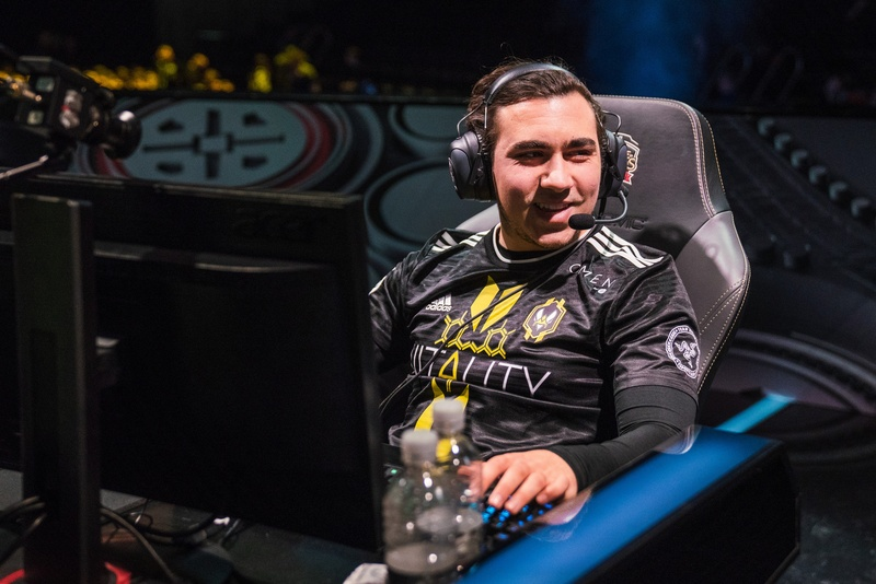 Gilius overcame obstacles from within his own house to become a pro   Photo by LoL Esports