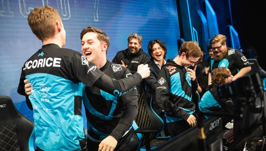 Victory Royale: community react to Cloud9, Vitality showings at 2018 Worlds Day 5