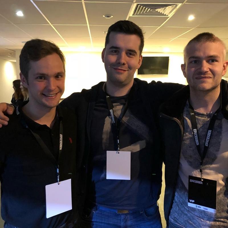 Борис со своими друзьями на EPICENTER по Dota 2.
