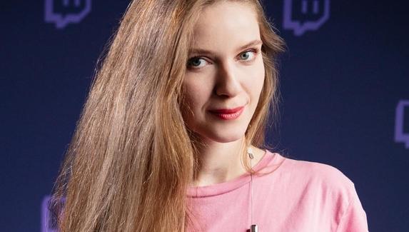 Dinablin стала самой популярной стримершей на Twitch в русскоязычном сегменте за последние три месяца