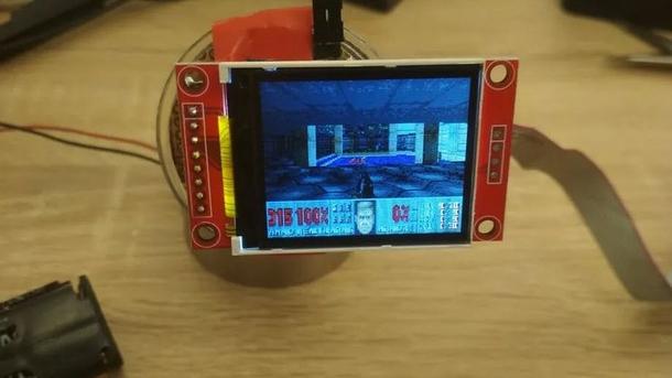 Фотография финальной версии устройства, способного запустить Doom