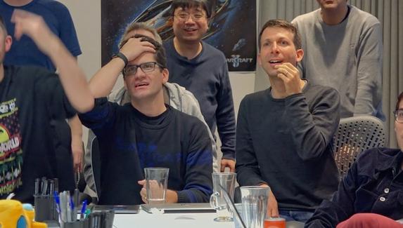 Искусственный интеллект разгромил профессиональных игроков в StarCraft II