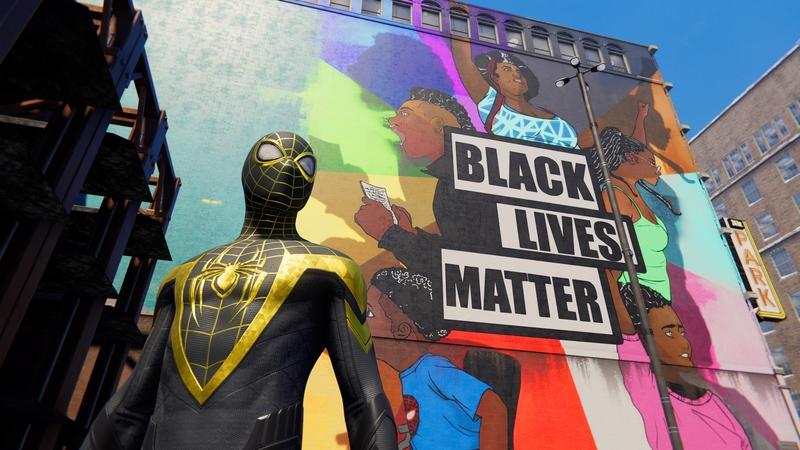 То самое граффити и костюм, который подарило сообщество Гарлема новому защитнику спокойствия