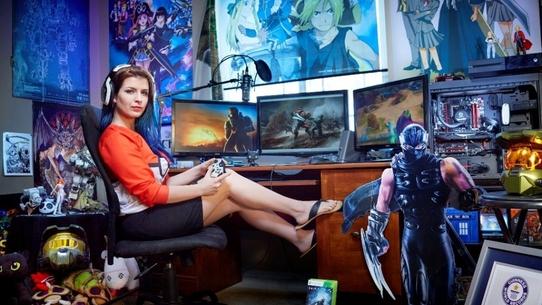 Самые богатые девушки-киберспортсмены