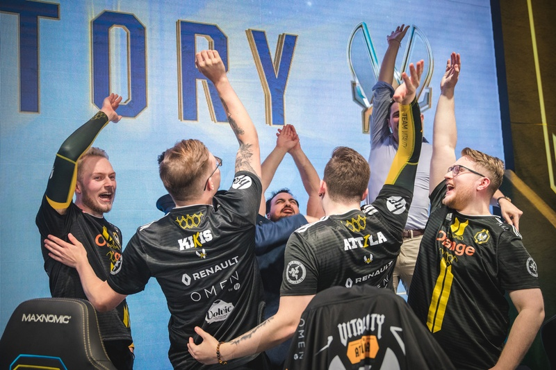 Vitality celebrate after beating Gen.G at Worlds 2018. Photo by: Riot Games