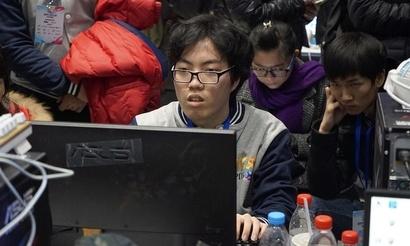 TH000 сыграет с Lyn в первом полуфинале Douyu Super League