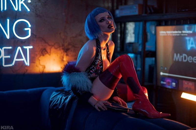 Косплей на Эвелин Паркер из Cyberpunk 2077. Косплеер: Лада Люмос. Фотограф: Кира Митенкова. Источник: https://www.instagram.com/ladalyumos/