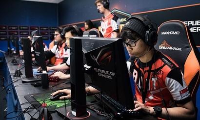 5Power Gaming и B.O.O.T-dream[S]cape прошли на PLG Grand Slam