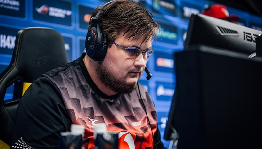 Reports claim Snax has already been benched for STYKO